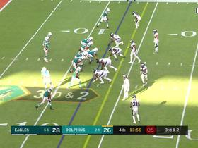 Mike Gesicki takes slant route 21 yards for first down