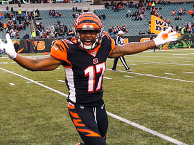 Bengals celebrate first win of 2019 after Andy Dalton's kneel down