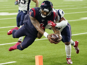 Can't-Miss Play: Handoff, handoff, pass! Watson catches Nuk's TD toss