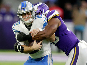 Danielle Hunter closes in on Blough for second sack of game