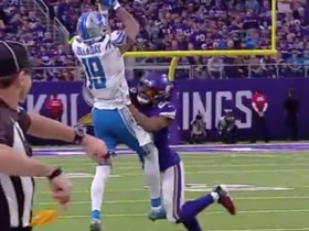Kenny Golladay goes up and over Waynes for sideline grab