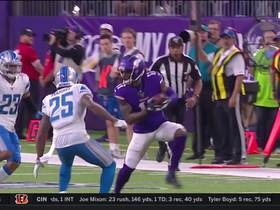 Treadwell trucks through Lions' secondary for strong 36-yard gain
