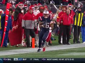 Trick-play alert! James White lobs throw to Jakobi Meyers for 35 yards