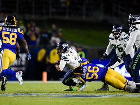 Dante Fowler chases down Russell Wilson for sack to close first half