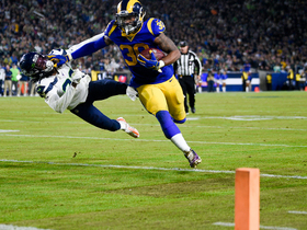 Todd Gurley delivers devastating stiff-arm on powerful TD run