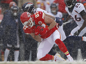 Travis Kelce becomes first TE to record four-straight 1,000+ receiving yard seasons