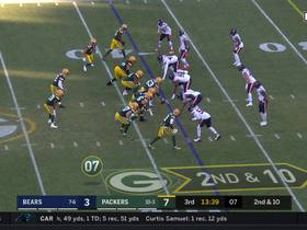 Aaron Rodgers shows off his wheels on 17-yard scramble
