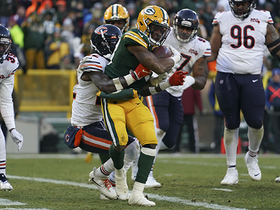 Aaron Jones hammers through Bears DB for strong TD run