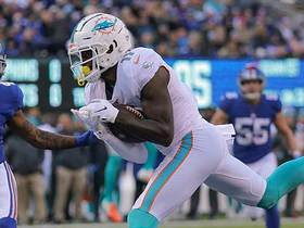DeVante Parker snags his second TD of day on 29-yard jump ball