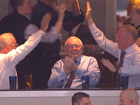 Jerry Jones celebrates after Zeke caps Cowboys' 97-yard drive with TD