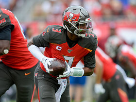 Jameis shows elusiveness on third-and-13 scramble to convert