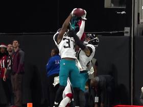 Tre Herndon outmaneuvers Julio Jones for jump-ball INT