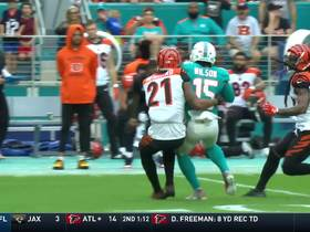 Fitzpatrick LASERS the slant to Albert Wilson for 35 yards