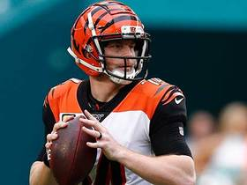 Dalton strikes 8-yard TD pass to C.J. Uzomah