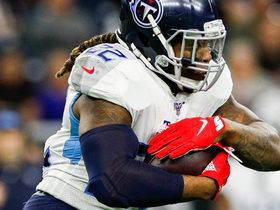 Derrick Henry turns the corner for rushing TD No. 14