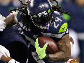 Marshawn Lynch ignites crowd on burst to pick up first down